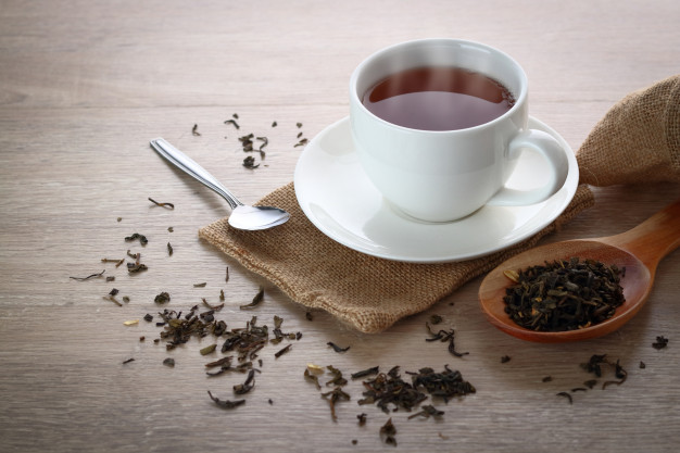 From Fighting Bad Breath to Cancer, These Are Some Unlikely Benefits of Tea