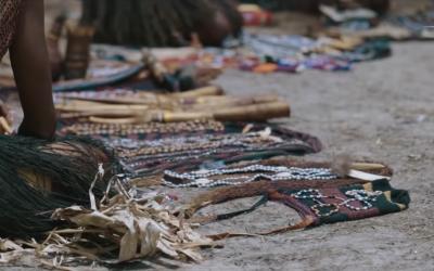 Bukan Sembako, Ini Yang Kamu Dapat Kalau Belanja di Pasar Pedalaman Papua