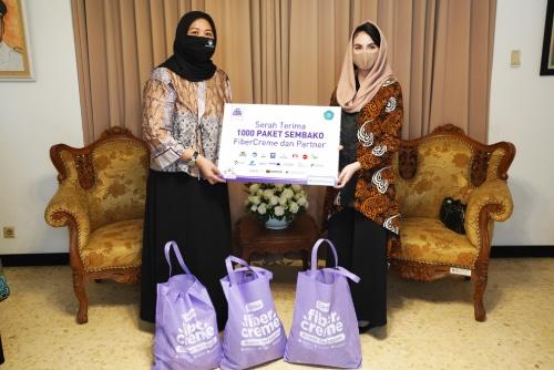 Fibercreme Bagikan 1000 Paket Sembako kepada Masyarakat Terdampak Psbb Jawa Timur